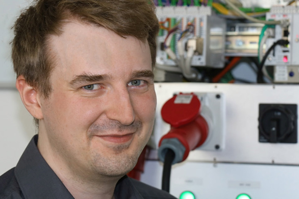 Dennis Knauf, Testingenieur im Bereich Systemsoftware Steuerungen