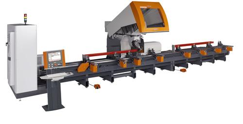 5-Achs-Stabbearbeitungszentrum zur Bearbeitung von Aluminium-, Stahl- und PVC-Profilen. (Foto: Elumatec)