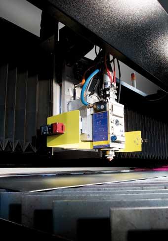 Portalschneidmaschine mit Faserlaser (Bild:SATO Schneidsysteme)